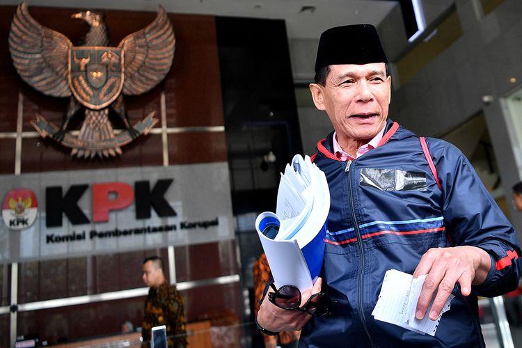 Anggota BPK Rizal Djalil meninggalkan kantor KPK usai diperiksa di Jakarta, Rabu (9/10/2019). Rizal diperiksa sebagai tersangka kasus dugaan suap proyek pembangunan sistem penyediaan air minum (SPAM) di Kementerian PUPR tahun anggaran 2017-2018.