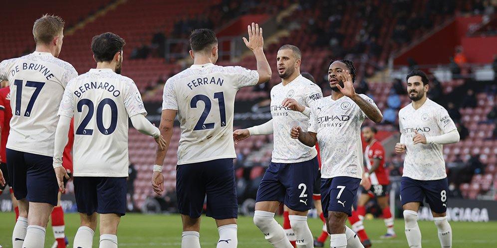 Pemain Manchester City merayakan gol Raheem Sterling ke gawang Southampton dalam lanjutan Premier League, Sabtu (19/12/2020) malam WIB.