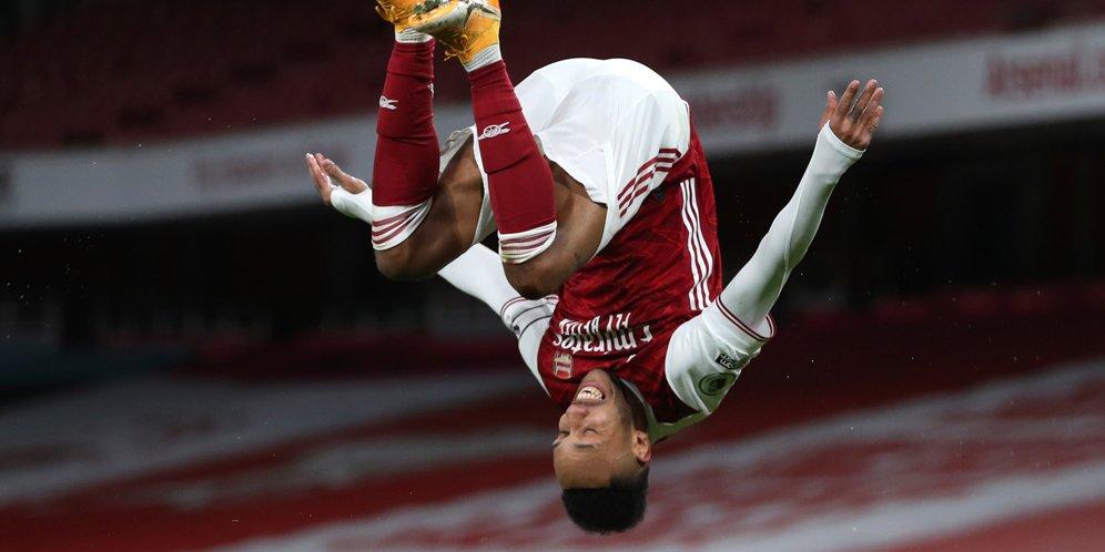 Selebrasi Pierre-Emerick Aubameyang usai menjebol gawang Newcastle, Premier League 2020/21. © AP Photo