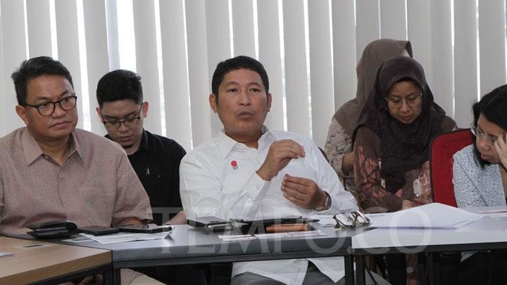 Direktur Utama PT Bursa Efek Indonesia, Inarno Djajadi saat diskusi bersama redaksi dan manajemen Tempo di gedung Tempo, Palmerah, Jakarta, Jumat, 24 Mei 2019.