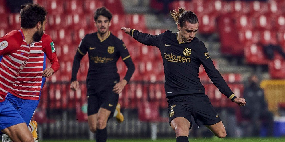 Aksi Antoine Griezmann dalam laga Granada vs Barcelona, Kamis (4/2/2021)