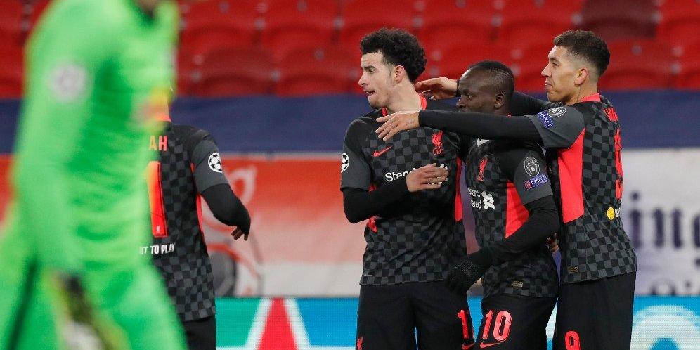 Skuad Liverpool merayakan gol ke gawang RB Leipzig, Rabu (17/2/2021)