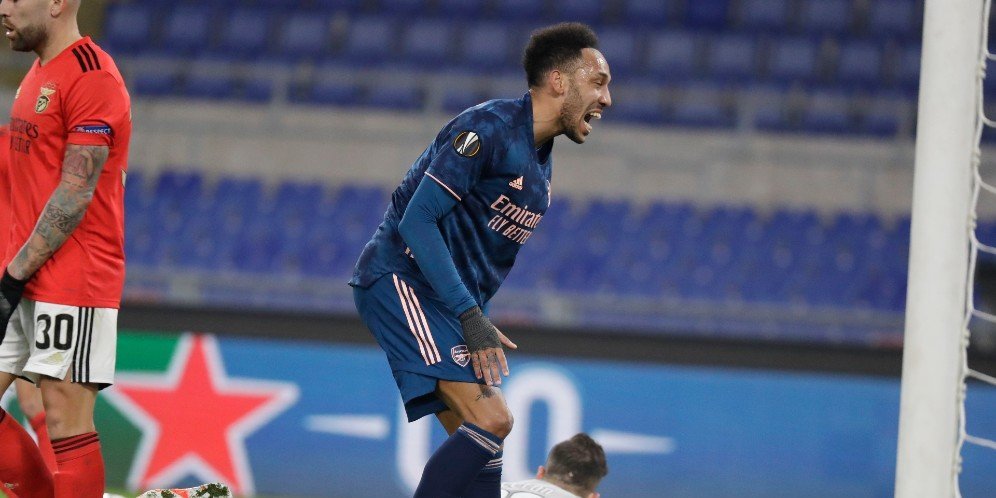 Striker Arsenal, Pierre-Emerick Aubameyang membuang peluang dalam laga kontra Benfica, Jumat (19/2/2021)