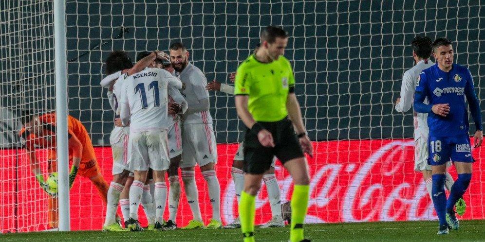 Skuad Real Madrid merayakan gol ke gawang Getafe, Rabu (10/2/2021)