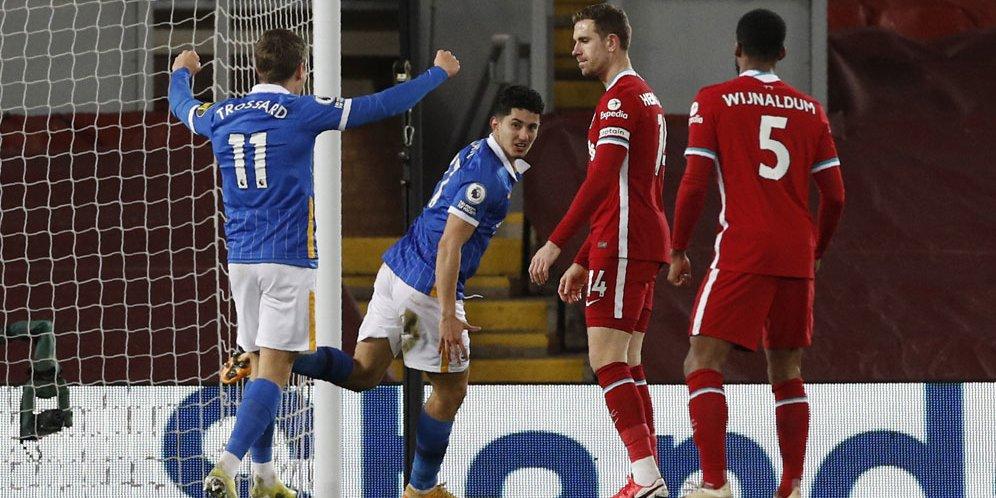 Steven Alzate rayakan golnya ke gawang Liverpool, Kamis (04/02/2021) dini hari WIB. © Pool Reuters